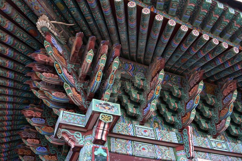 Szczegół ornamenty na Koreańskiej Buddyjskiej świątyni Pic wziąć obraz royalty free