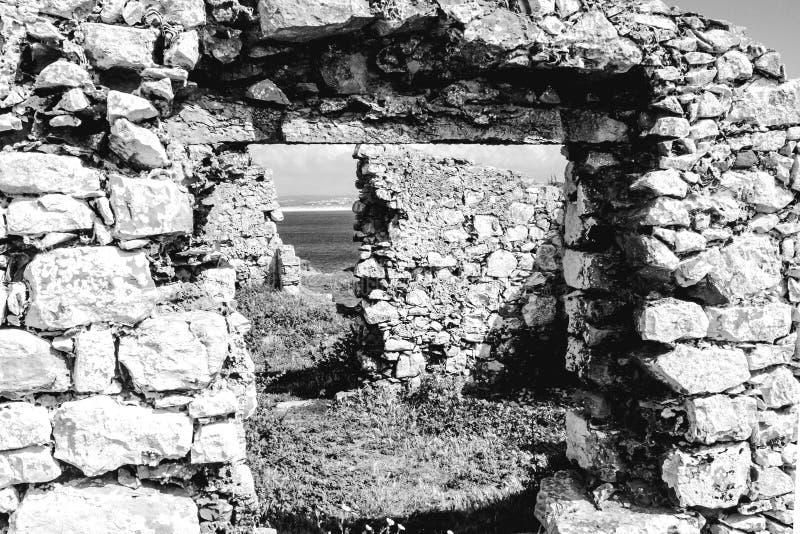 Szczegół ruiny forte da Luz fort światło, na Portugalskim westernu wybrzeżu, Peniche zdjęcie royalty free