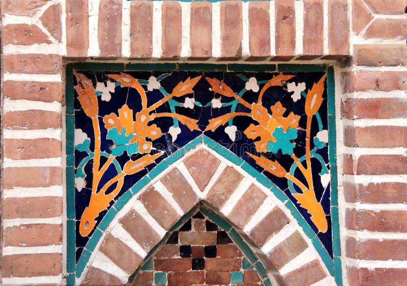 Szczegół stara mozaiki ściana z tradycyjnym georgian kwiecistym wzorem obraz royalty free