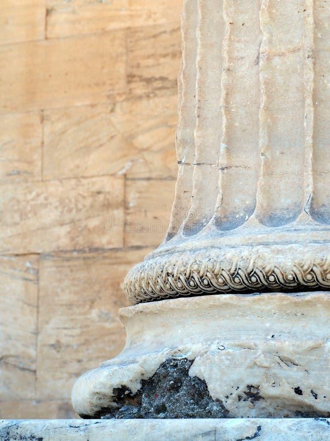 Szczegół starożytny grek Marmurowa kolumna, akropol, Ateny, Grecja obrazy stock