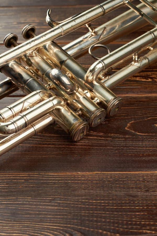 Szczegół stary tubowy instrument obrazy stock