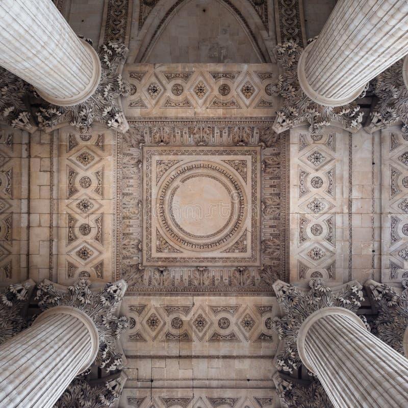 Szczegół sufit pod zewnętrznie kolumnadą Panthe obrazy stock