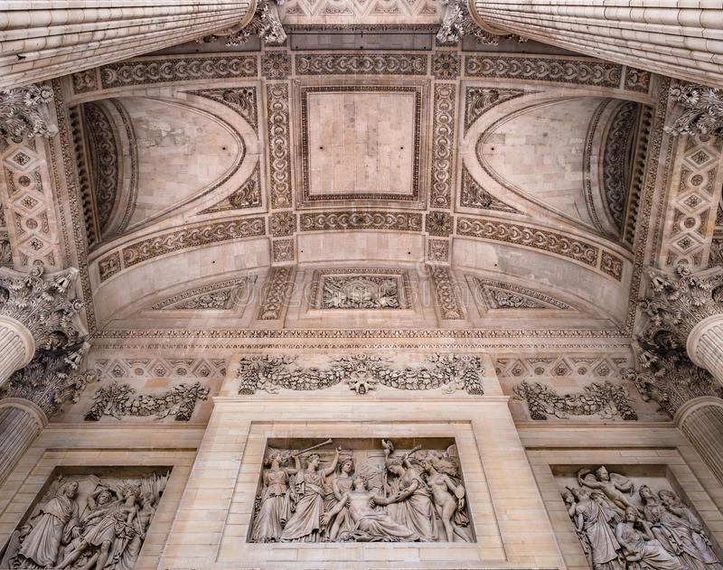 Szczegół sufit pod zewnętrznie kolumnadą Panthe zdjęcia royalty free