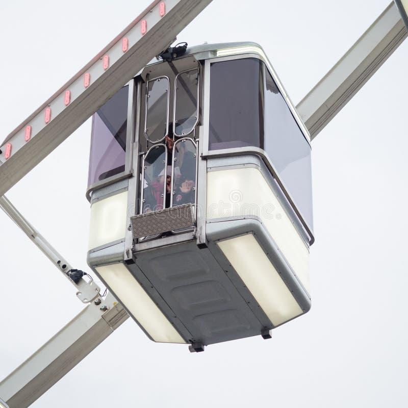Szczegół taksówki Ferris koło instalujący w miejscu de obrazy stock