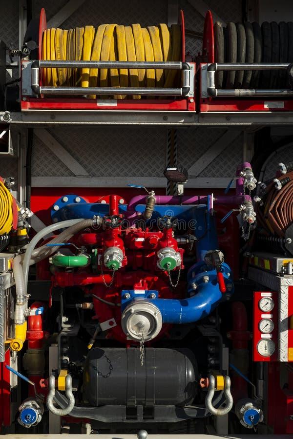 Szczegół tarcze na wielkim samochodzie strażackim i wymierniki zdjęcie royalty free