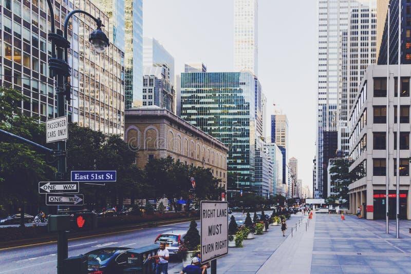 Szczegół Wschodnia 51st ulica w środku miasta Manhattan zdjęcia royalty free