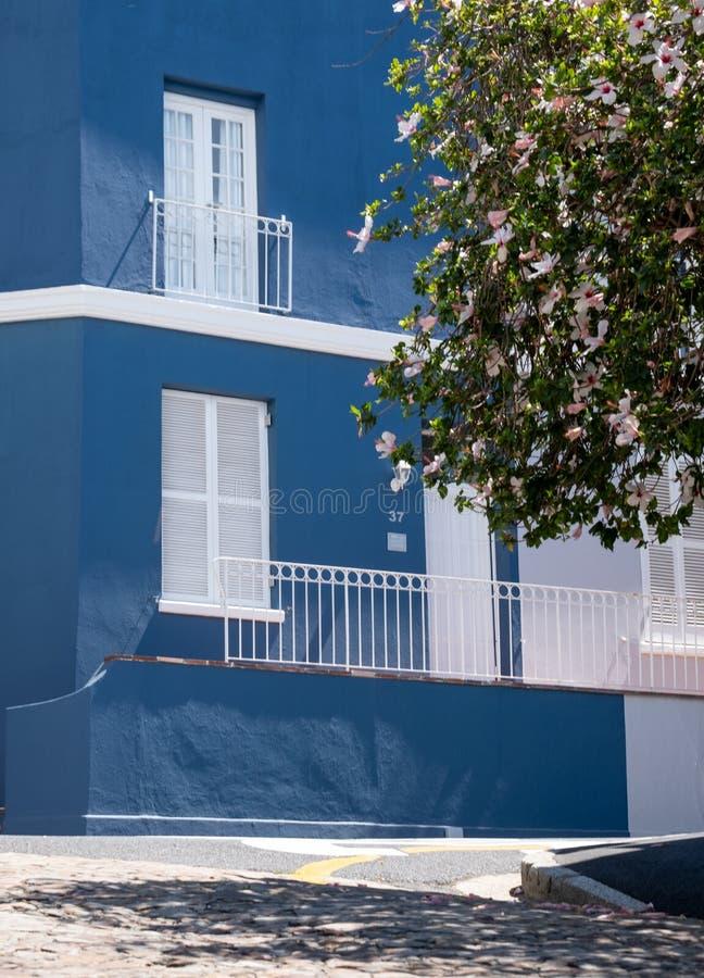 Szczegółowa fotografia błękita dom w Malajskiej ćwiartce, Bo Kaap, Kapsztad, Południowa Afryka zdjęcia royalty free