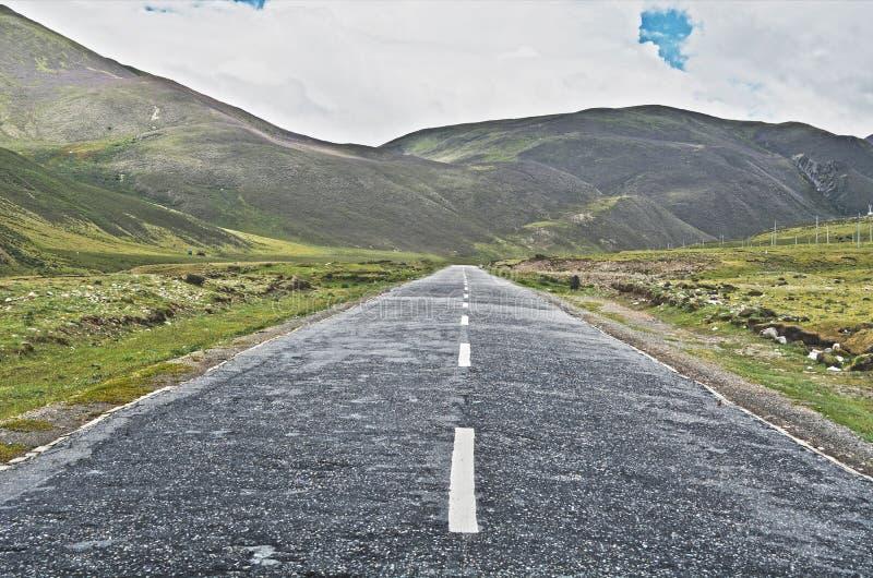 szczegółowe dane dotyczące tworzenia asfalt drogi square ramy dla personelu obraz royalty free