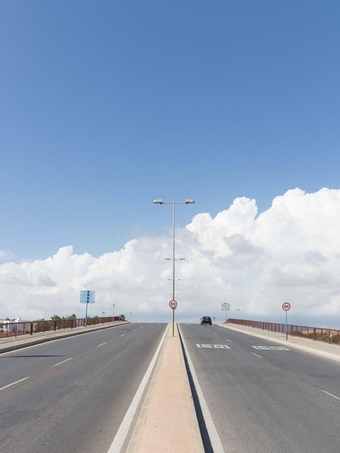 szczegółowe dane dotyczące tworzenia asfalt drogi square ramy dla personelu zdjęcia royalty free