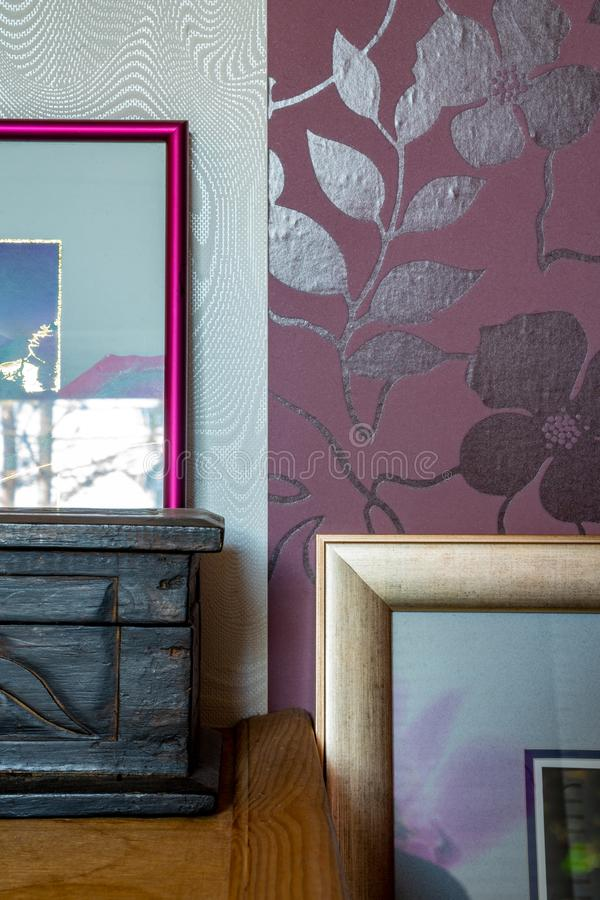 Szczegółowy strzał domowa dekoracja - ramy i pudełka zdjęcie stock