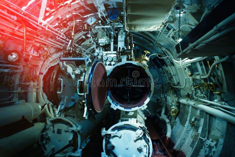 Szczegółowy widok klapy i drymby w łodzi podwodnej obraz stock