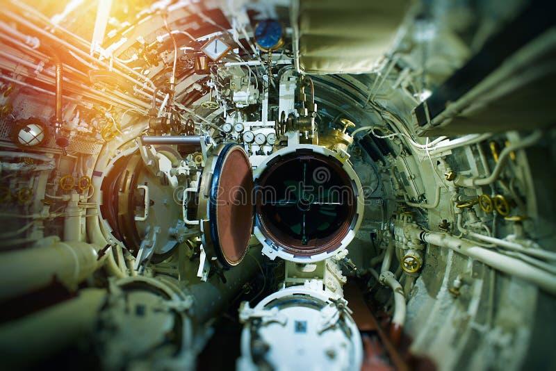 Szczegółowy widok klapy i drymby w starej łodzi podwodnej zdjęcie stock