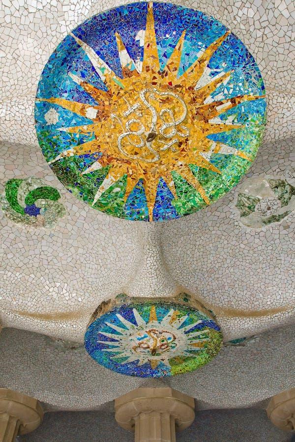 Download Szczegółu Guell Iv Parc Część Obraz Stock - Obraz złożonej z modernista, wyznaczający: 13331333