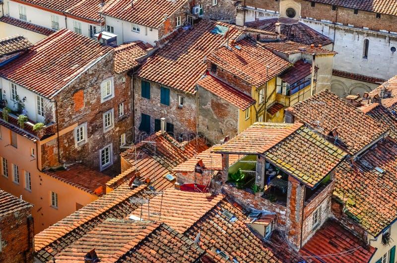 Szczegółu widok tradycyjni Włoscy miasteczko dachy obrazy royalty free