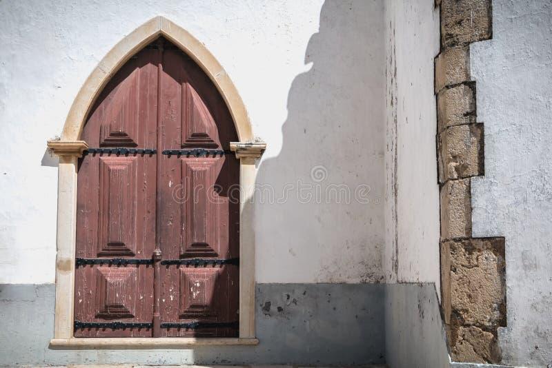 Szczegóły architektoniczne Kościoła Matki Bożej Grace w Moncarapacho, Portugalia zdjęcie royalty free