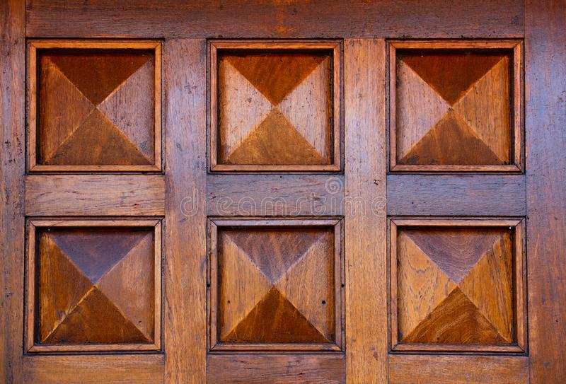 Szczegóły drewniany dzwi wejściowy obrazy royalty free