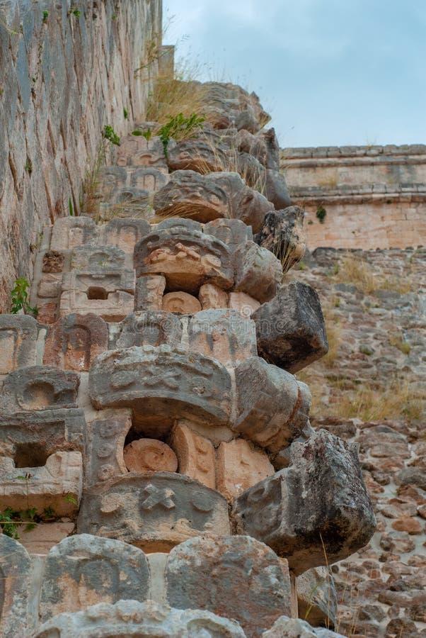 Szczegóły Majskie kamienne dekoracje w archeologicznym terenie Ek Balam, obraz royalty free