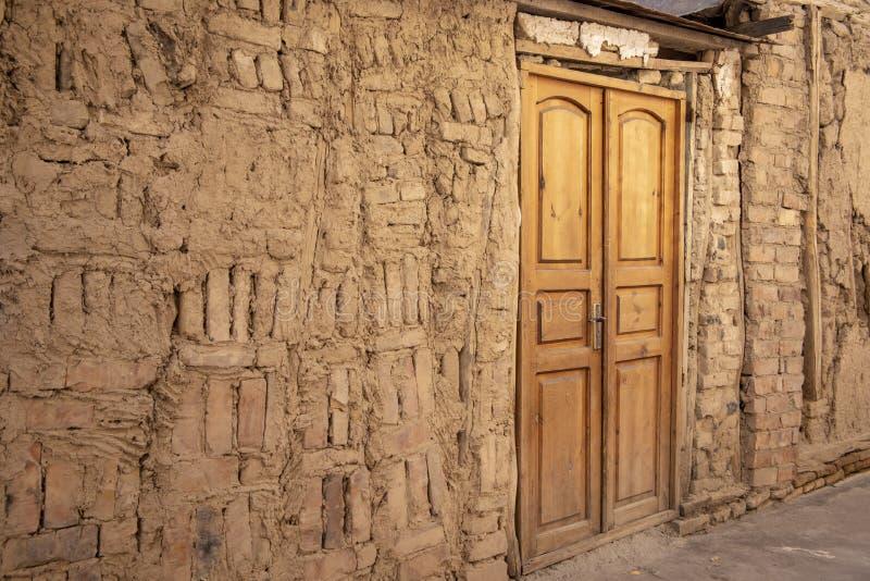Szczegóły stara ściana i drzwi, Stary Grodzki Tashkent, Uzbekistan fotografia royalty free