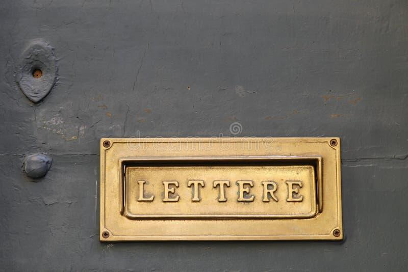Szczegóły stary Włoski listowy pudełko obrazy royalty free