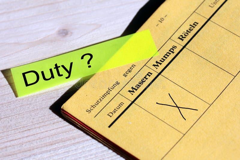 Szczepienie przeciw odra dobrowolny lub obowiązkowy zdjęcia royalty free