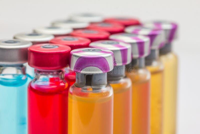 szczepionka i hypodermic strzykawka zdjęcie royalty free
