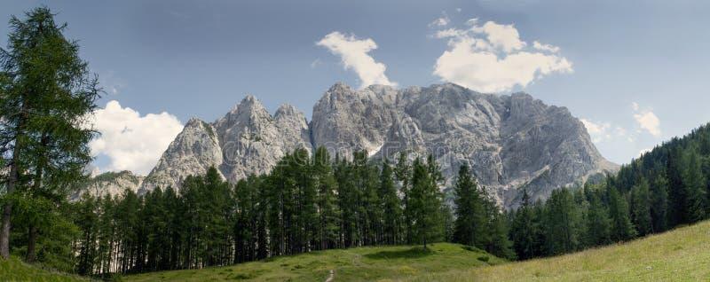 Szczyt Prisojnik góra nad droga nad Vrsic przepustką w Triglav parku narodowym w Juliańskich Alps w Slovenia obrazy royalty free