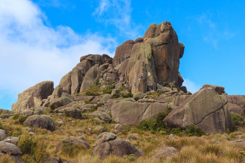 Szczytowi prateleiras halni w Itatiaia parku narodowym, Brazylia zdjęcie stock