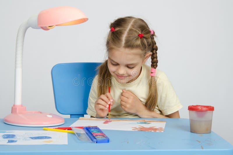 Sześć roczniaków dziewczyn na rysunkowej lekci zdjęcie stock