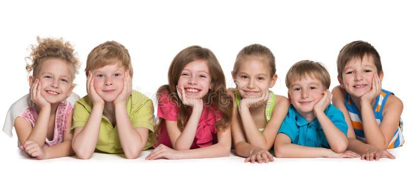 Sześć szczęśliwych dzieci obraz stock