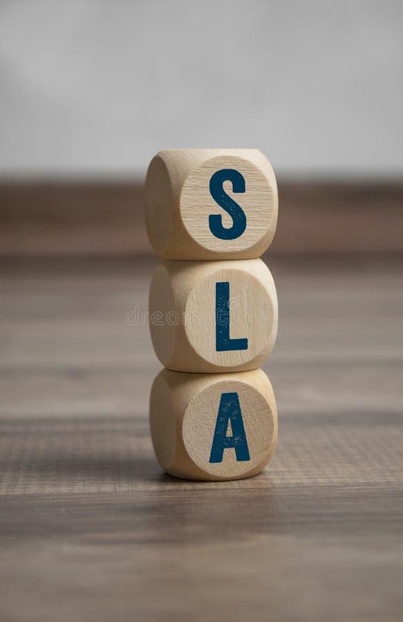Sześciany i kostki do gry z SLA zgodą obraz stock