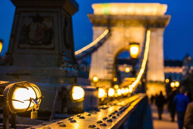 Szechenyi Łańcuszkowy most Budapest w wieczór obrazy stock