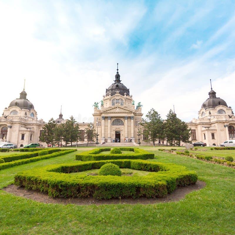 Szechenyi thermische Baden, kuuroord en zwembad in Boedapest, Hongarije royalty-vrije stock foto's