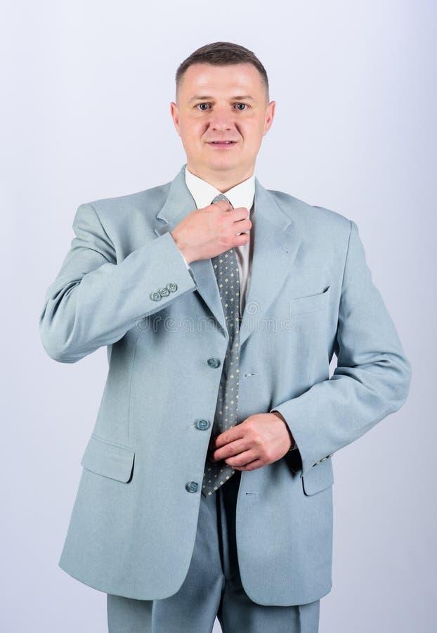 Szef głowa dział ?lubna moda Mężczyzna dobrze przygotowywał elegancką caucasian pojawienie odzież formalną odziewa samiec obraz royalty free