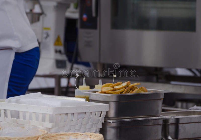 Szef kuchni kuchnia - croutons obrazy stock