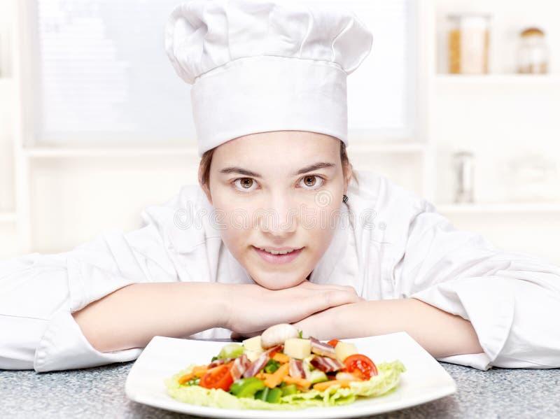 szef kuchni sałatka kuchenna półkowa sałatka obraz stock