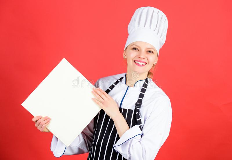 Szefa kuchni autora kulinarna książka Wyśmienicie i wyśmienity Kulinarny kulinarny jako hobby i jedzenie Kucbarski szuka kulinarn fotografia royalty free