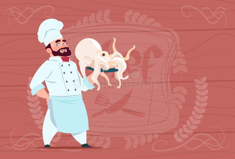 Szefa kuchni Cook chwyta ośmiornicy Uśmiechniętej kreskówki Restauracyjny szef W bielu mundurze Nad Drewnianym Textured tłem royalty ilustracja