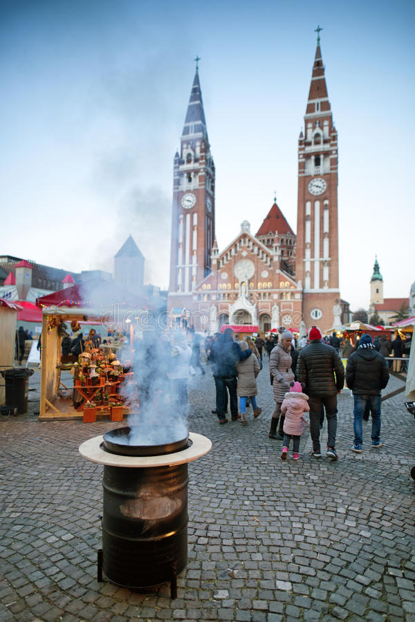Szeged Hungria dezembro de 2016 Advent Christmas Market fotos de stock