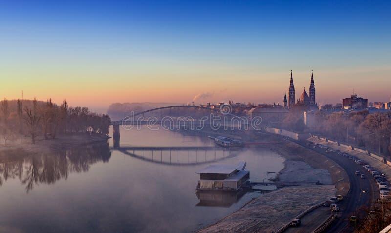 Szeget, panorama de Hungria em para baixo Igreja votiva visível fotografia de stock