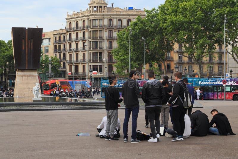 Szene auf dem Katalonien-Quadrat, Barcelona stockfotos