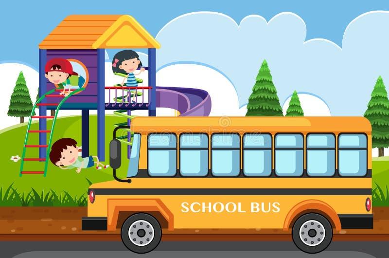 Szene mit den Kindern, die im Park und im Schulbus spielen vektor abbildung