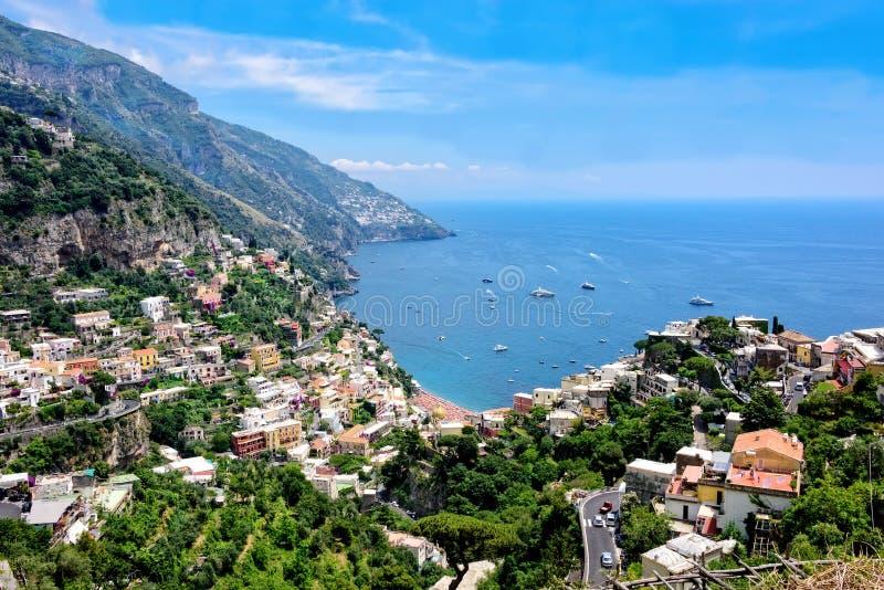 Szenische Ansicht der Amalfi-Küstenlinie lizenzfreie stockbilder