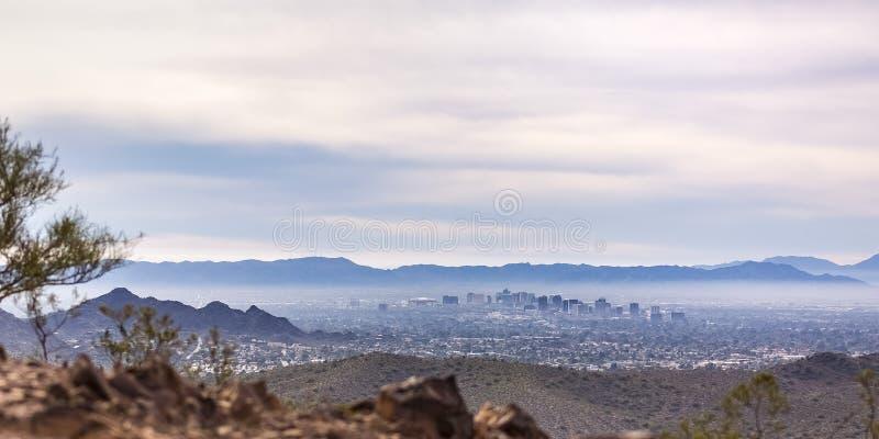 Szenische Ansicht des einwohnerstarken Phoenix in Arizona stockfoto