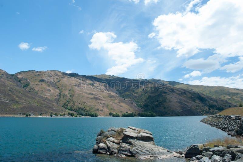 Szenische Ansicht von Clutha-Fluss, Clyde, Südinsel, Neuseeland lizenzfreies stockbild