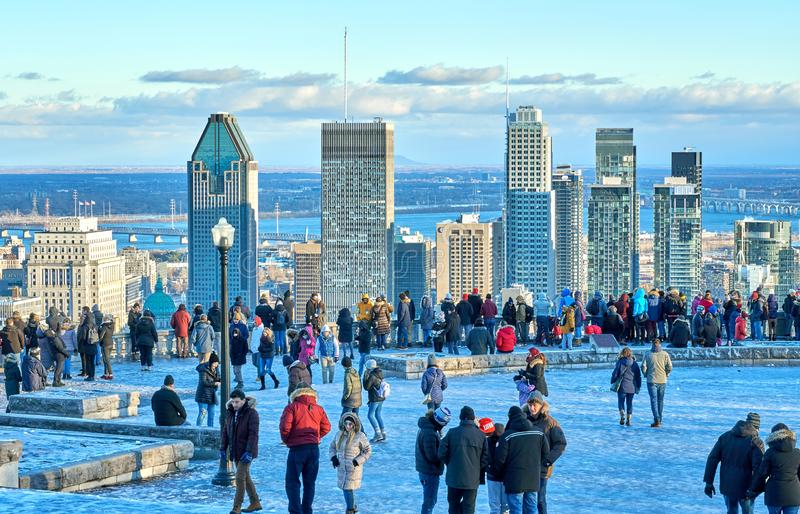 Panoramablick auf die Innenstadt von Montreal stockbild