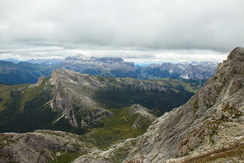 Szenische Ansicht von Passo Falzarego, Dolomit, Italien lizenzfreies stockbild