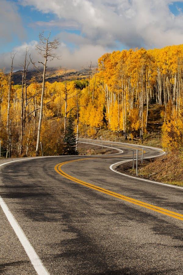 Szenische Ansicht zu den Hochländern auf dem Seitenweg 12 in Utah, USA stockbild