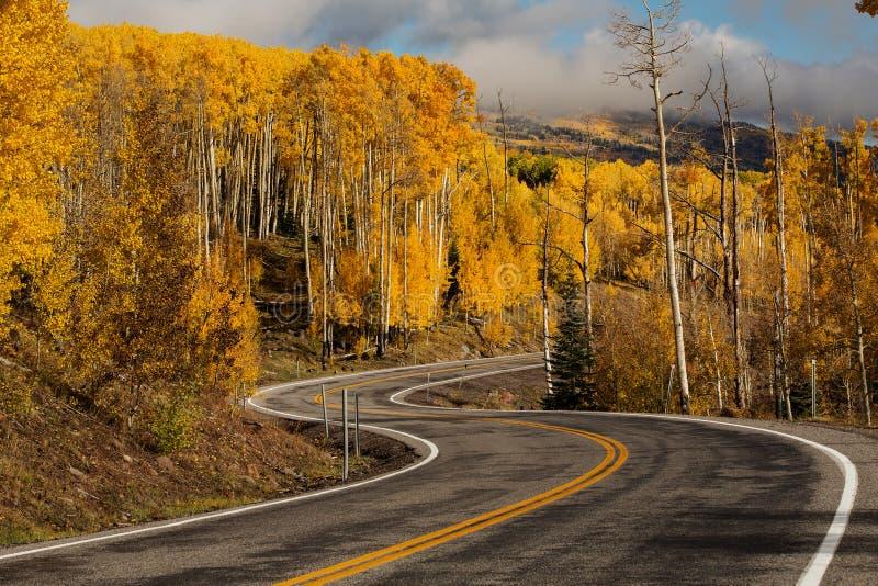 Szenische Ansicht zu den Hochländern auf dem Seitenweg 12 in Utah, USA stockfotos