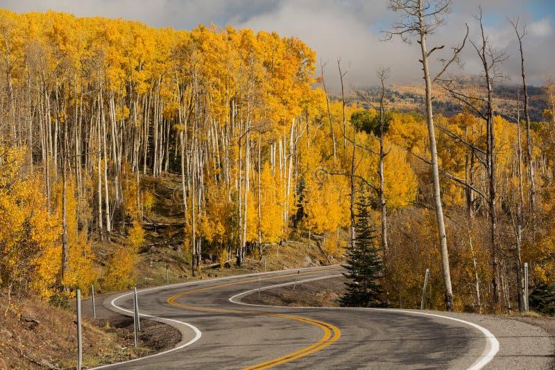 Szenische Ansicht zu den Hochl?ndern auf dem Seitenweg 12 in Utah, USA lizenzfreies stockbild