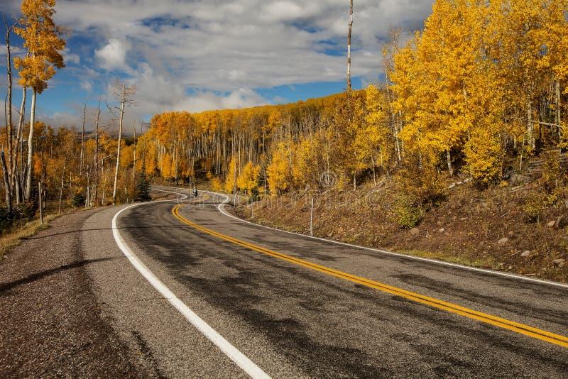 Szenische Ansicht zu den Hochl?ndern auf dem Seitenweg 12 in Utah, USA stockfoto